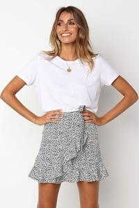Short skirt with spotted pattern - M400