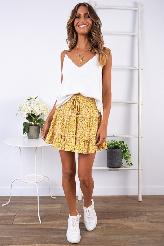Mini skirt with floral print - WW3637