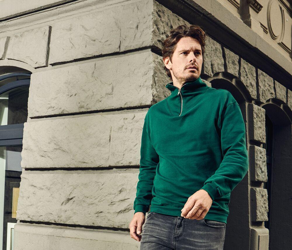 Men's-sweatshirt-with-zipped-collar-Wordans